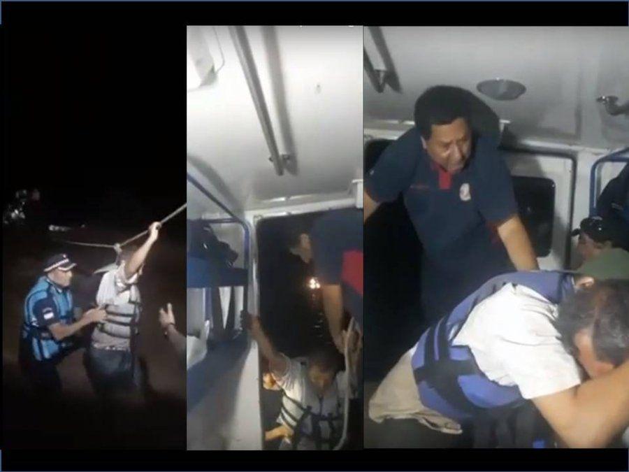 La correntada sobre la ruta nacional 34 les hizo perder el control del vehículo, eran arrastrados pero fueron rescatados por la Policía Lacustre