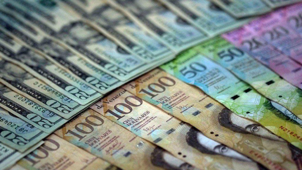 La moneda venezolana se devaluó más del 50% en apenas dos días