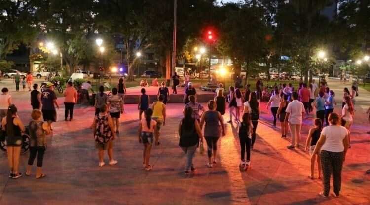 """Vuelven los ciclos """"Vení Bailá y Vení Cantá"""" a las plazas tucumanas"""