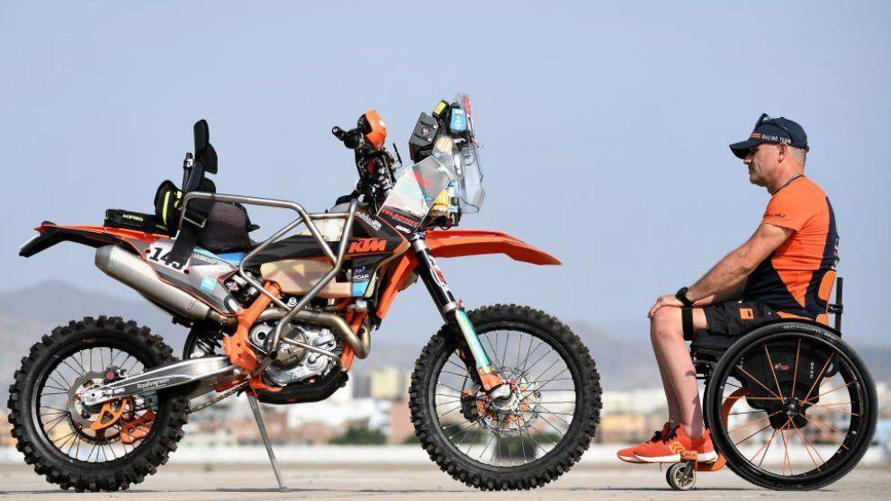 Polémica por la exclusión del piloto parapléjico del Dakar