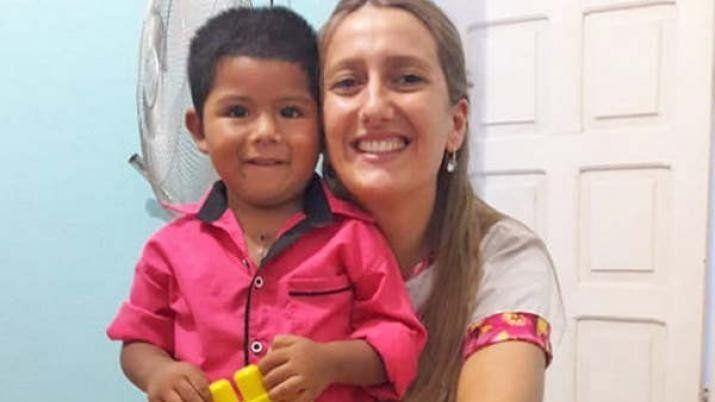 Lo conoció en una fundación, lo diagnostico y  gracias a una intervención le salvó la vida.