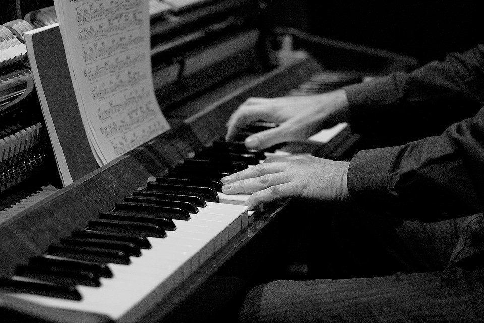Tucumán convoca a jóvenes pianistas para un concurso