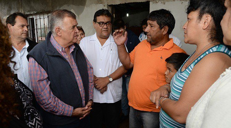 El Gobierno asiste a familias de Las Cejas afectadas por la lluvia