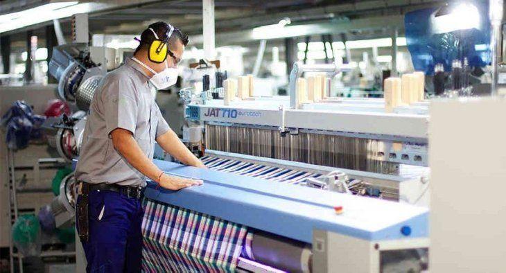 La industria sufrió una fuerte contracción en noviembre