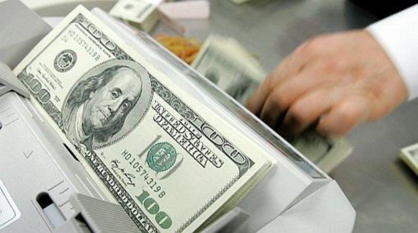 El dólar registró su primera suba semanal del año