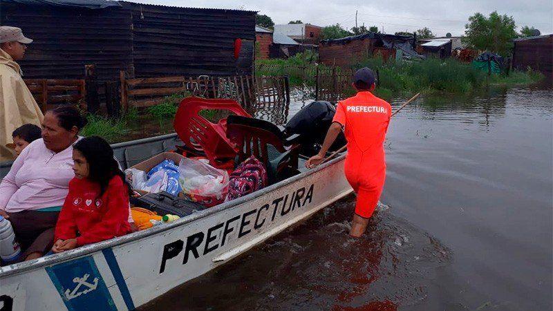 Hay más de ocho mil personas evacuadas en cuatro provincias