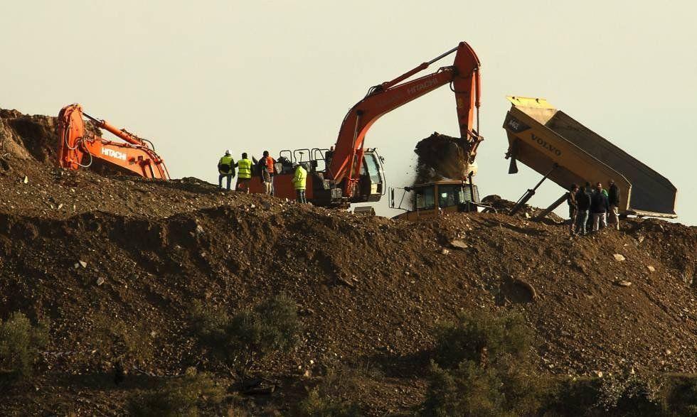 Mineros accederán a un túnel para poder rescatar al niño español atrapado
