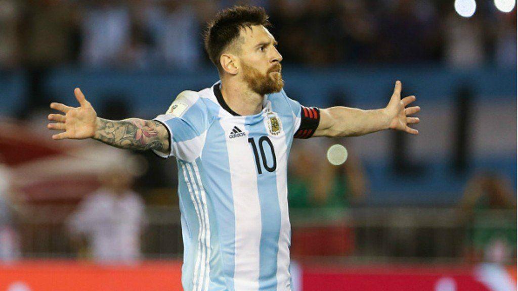 Lionel Messi pidió que se continúe la búsqueda de Emiliano Sala