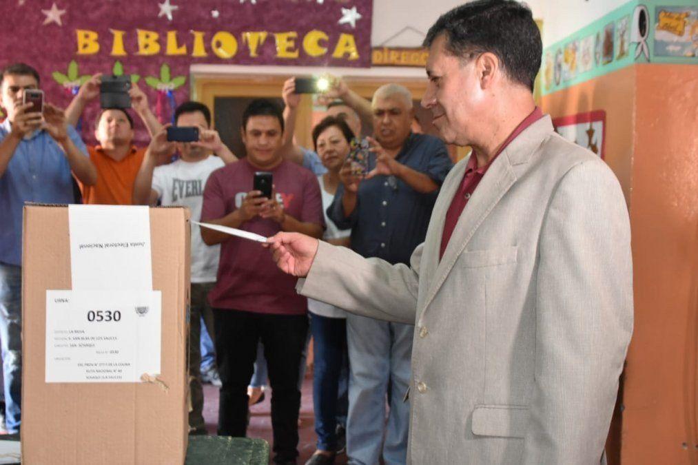 Menos de la mitad del padrón participó con su voto en el plebiscito por la reelección en La Rioja
