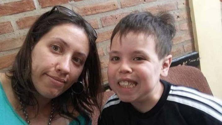 Santiago: Tiziano necesita operarse y su familia confía en la solidaridad que los ayude a pagar los costos_