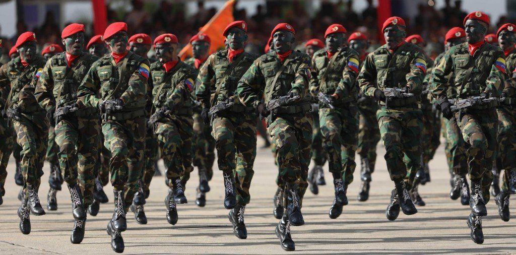 Soldados rusos viajaron a proteger a Maduro