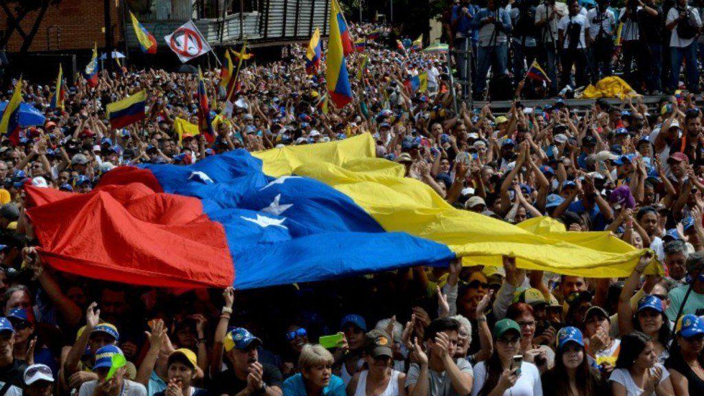 El camino de Guaidó aparece, a parte del mundo, como el mejor para llamar a elecciones libres
