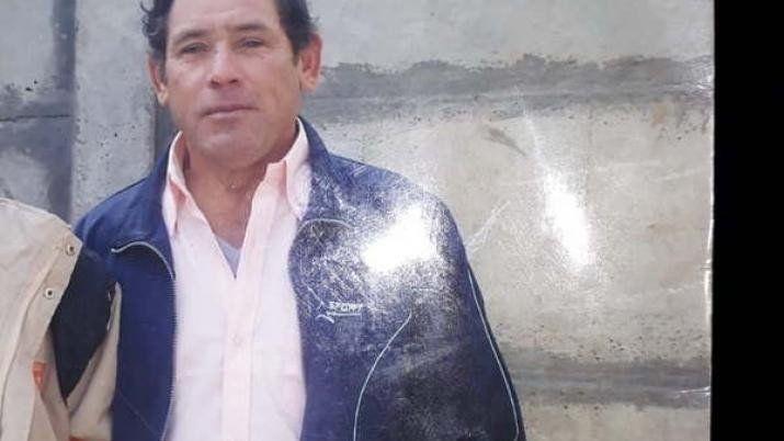 Santiago: Un hombre salió de su casa a la madrugada y apareció muerto en un desagüe