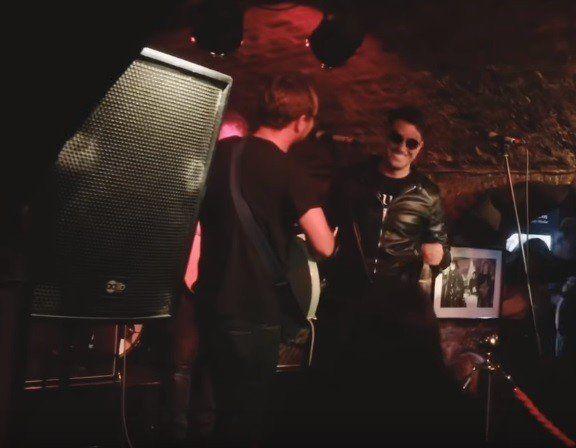 Un Yesterday tuvo el lujo de tocar en el bar donde cantaban Los Beatles