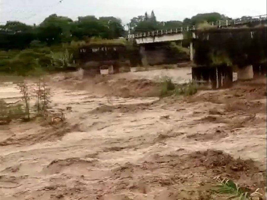Tucumán sigue en alerta meteorológico, cayeron 70mm en el piedemonte y creció el Río Lules y el Gastona