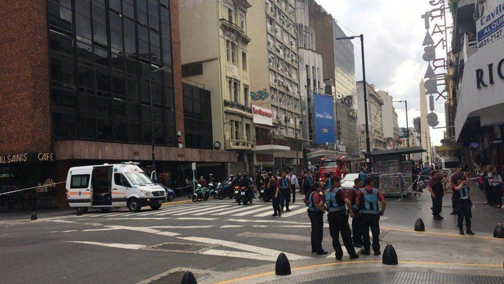 Incendio en un hotel del centro porteño: una mujer murió y hay cuatro heridos graves