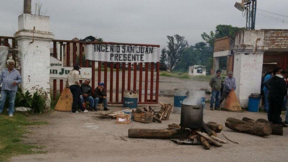 Trabajadores del ingenio San Juan continúan con las protestas
