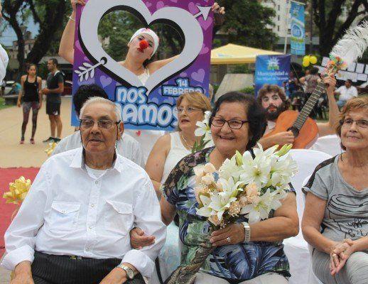 Las parejas de adultos mayores festejarán el Día de los Enamorados