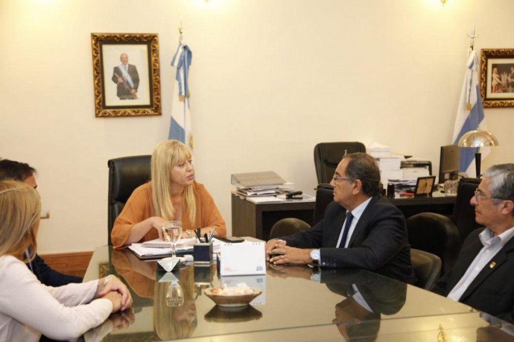 Los ministerios de Salud y Educación trabajarán en conjunto para emitir certificados de Salud