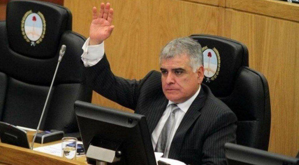 """Paro de colectivos: """"Vuelve a ponerse a la gente en el medio"""", dijo el concejal Loza"""