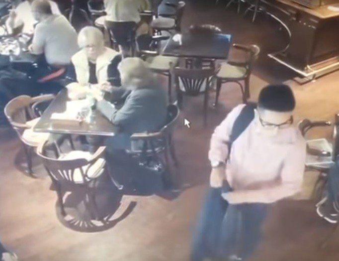 Atraparon al joven que robo una cartera en un bar hace cuatro meses