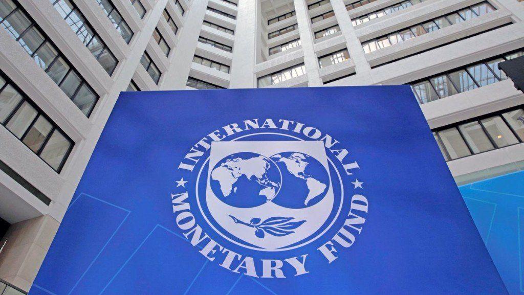 Los países miembros del FMI evalúan reconocer a Guaidó como presidente