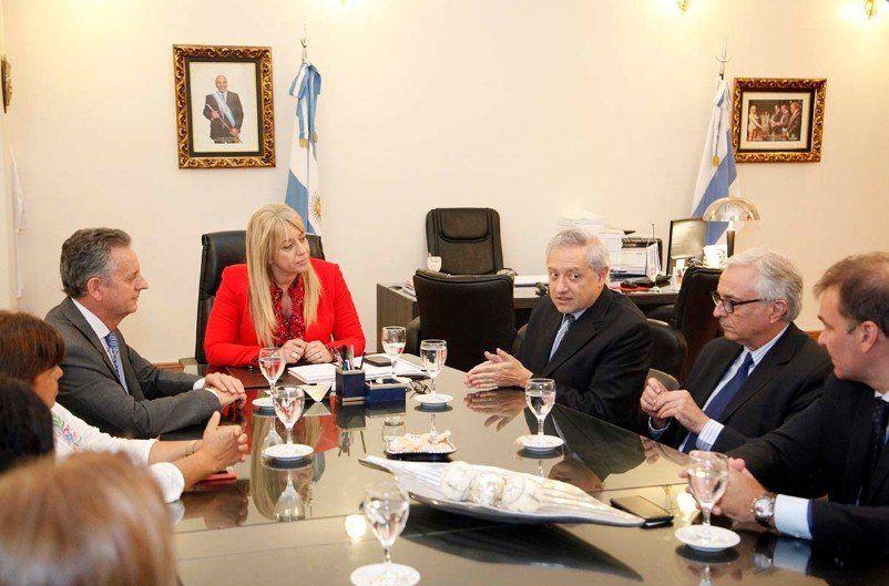 Firmaron un convenio para la detección precoz y tratamiento del Chagas