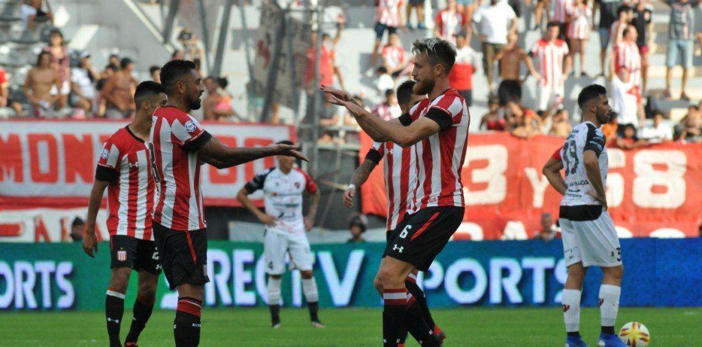 Estudiantes derrotó a Patronato en la ciudad de La Plata