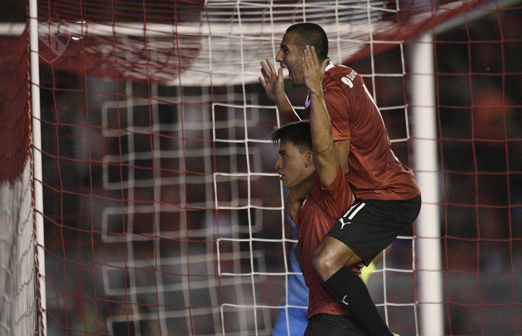 Independiente destrabó un duro partido y derrotó a Unión