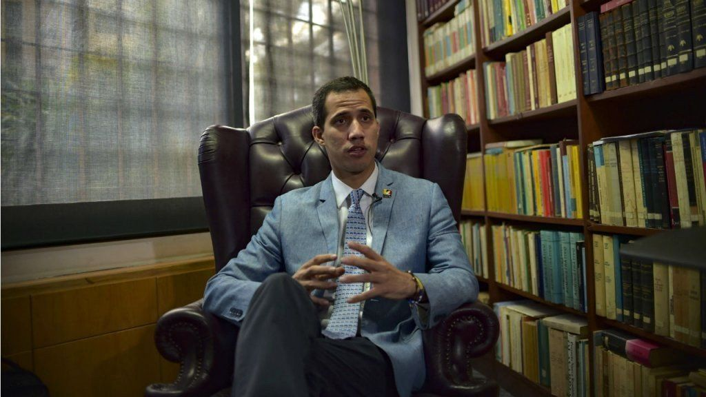 Guaidó anunció que llegó con éxito el primer cargamento de ayuda