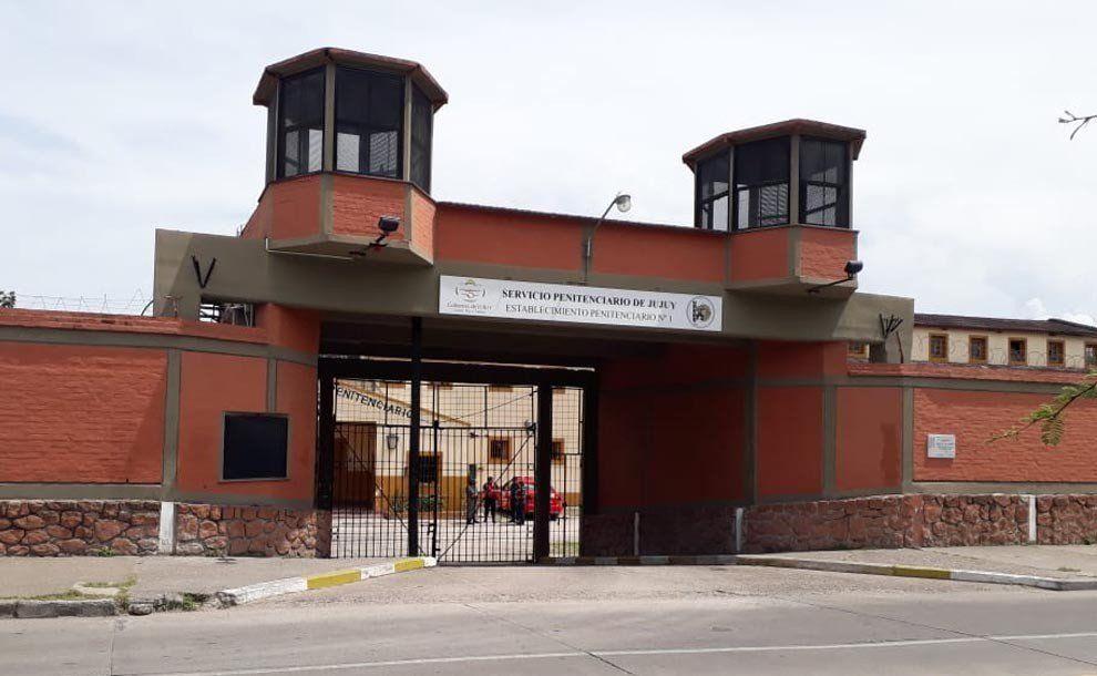 Hallaron muerto a un guardia penitenciario: se habría disparado accidentalmente