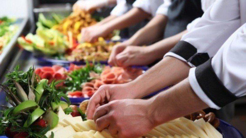 Gastronómicos de Jujuy denuncian despidos y el trabajo en negro en el sector