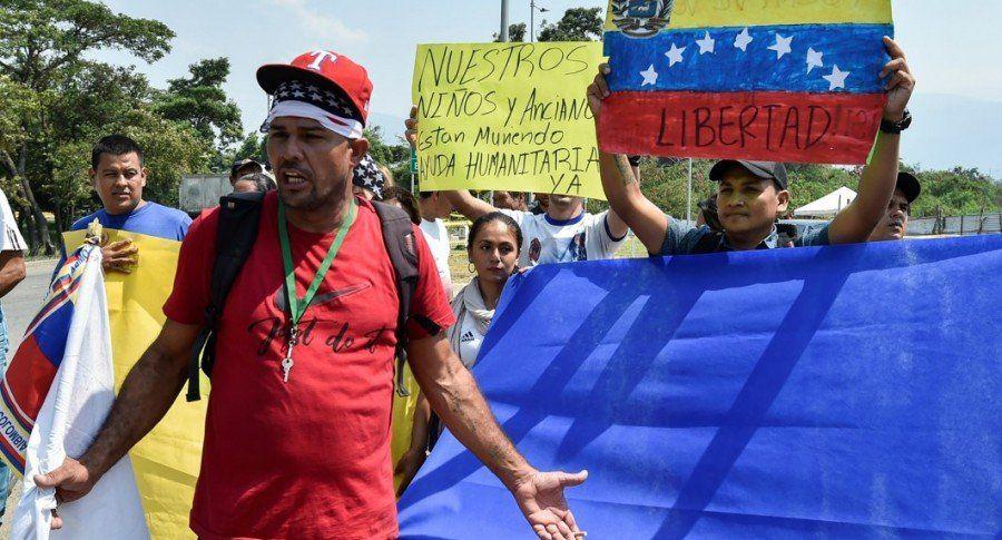 Nuevas marchas reflejan el clima polarizado en Venezuela