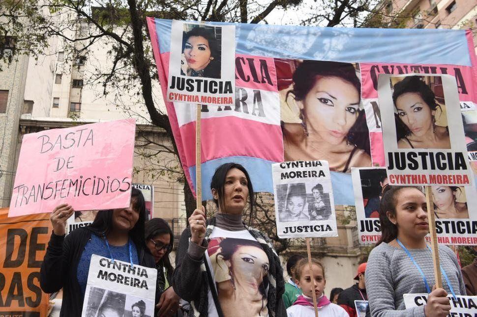 Piden una recompensa para dar con los asesinos de Cynthia Moreira
