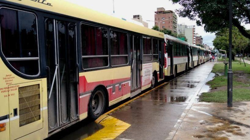 El gobierno de Alfaro intimó a las empresas y amenazó con quita de concesiones