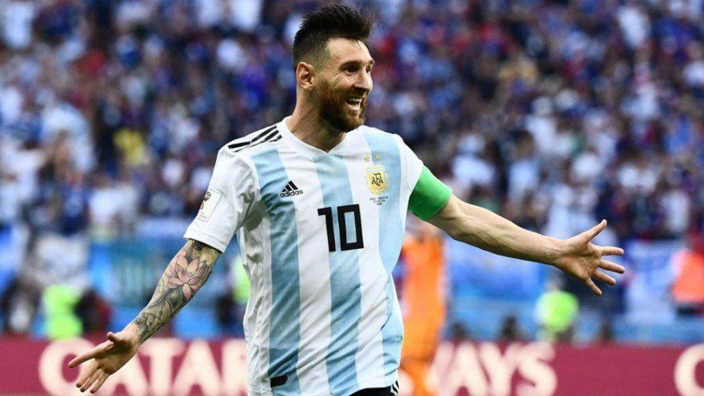"""Claudio Tapia: """"Si lo convocan, Messi estará en marzo con la Selección"""""""