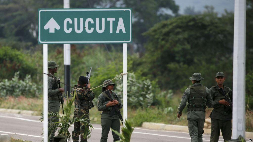 Aviones militares de los EEUU llevarán más ayuda humanitaria a la frontera con Venezuela