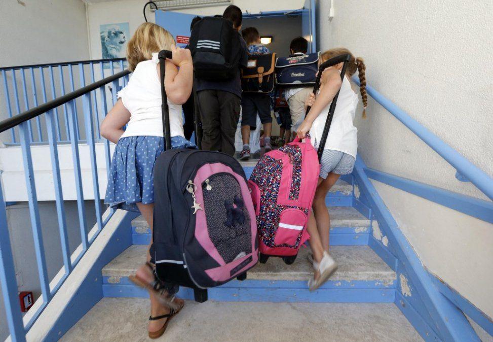 Vuelta al colegio: cómo evitar que las mochilas dañen la espalda de los chicos