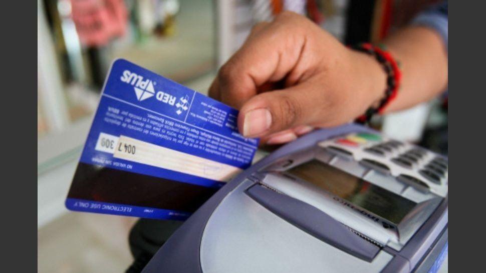 Las altas tasas de interés en tarjetas de crédito aumentaron el nivel de morosidad