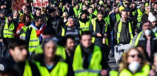 Chalecos amarillos de Suiza protestaron por la represión sufrida en Francia