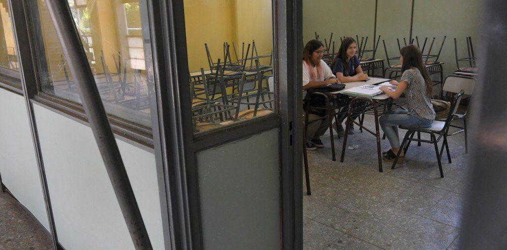 Los docentes de Santiago del Estero acordaron un aumento del 40%