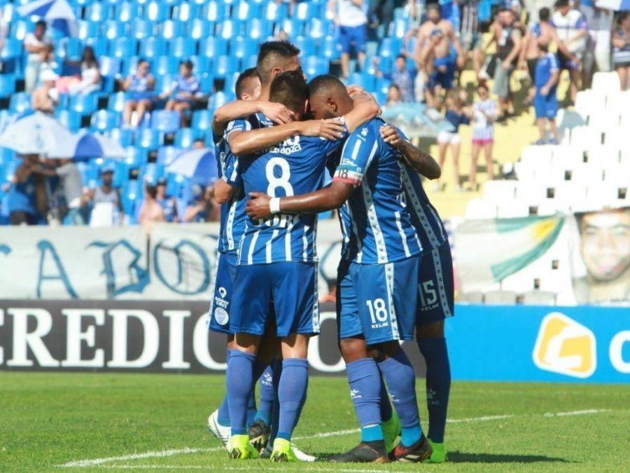 El Tomba busca mantenerse en puestos de copa frente a Vélez