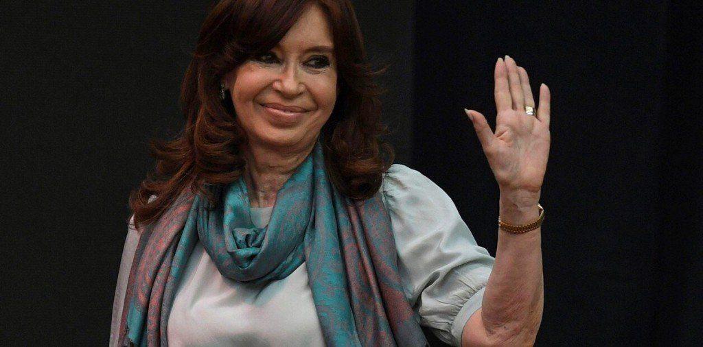 Cristina presentó un escrito para defenderse en 8 indagatorias