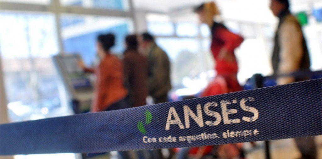 17 mil santiagueños deberán presentar la libreta de 2017 para cobrar asignación
