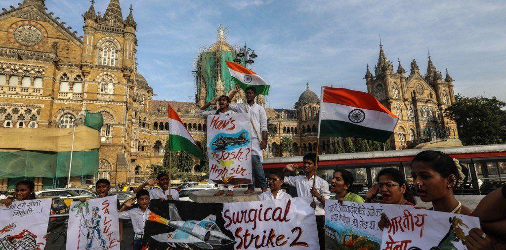 India lanzó un ataque aéreo en Pakistán tras el atentado suicida en Cachemira