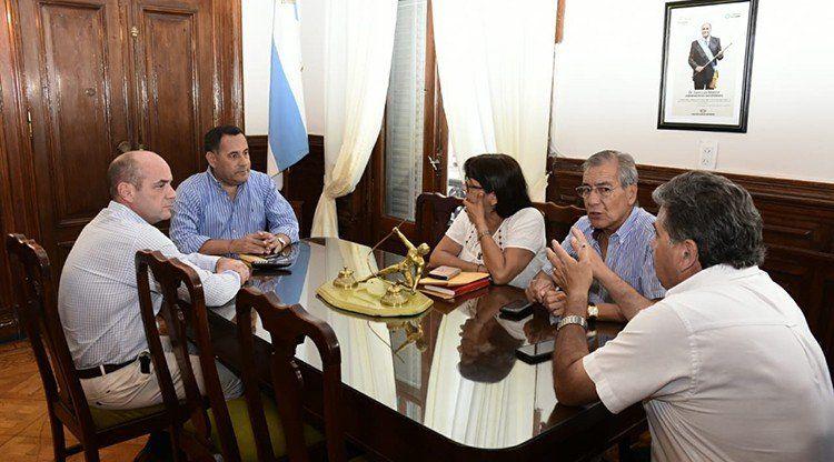 Con posibilidad de acuerdo, se reúnen el Ejecutivo y los gremios docentes