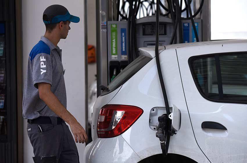 Los precios de los combustibles subirán entre 2,5 y 3%