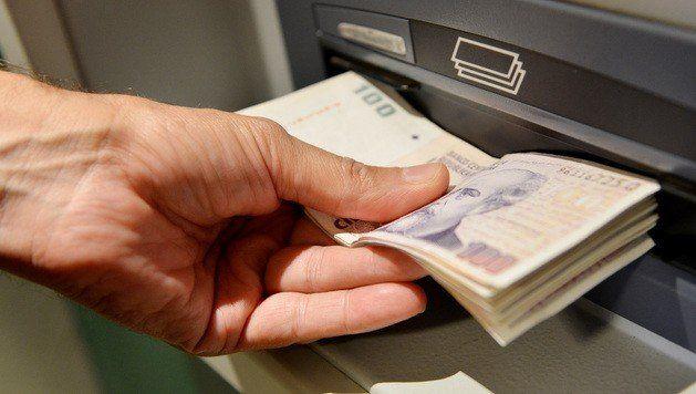 Adelantarán el pago del salario mínimo vital y móvil