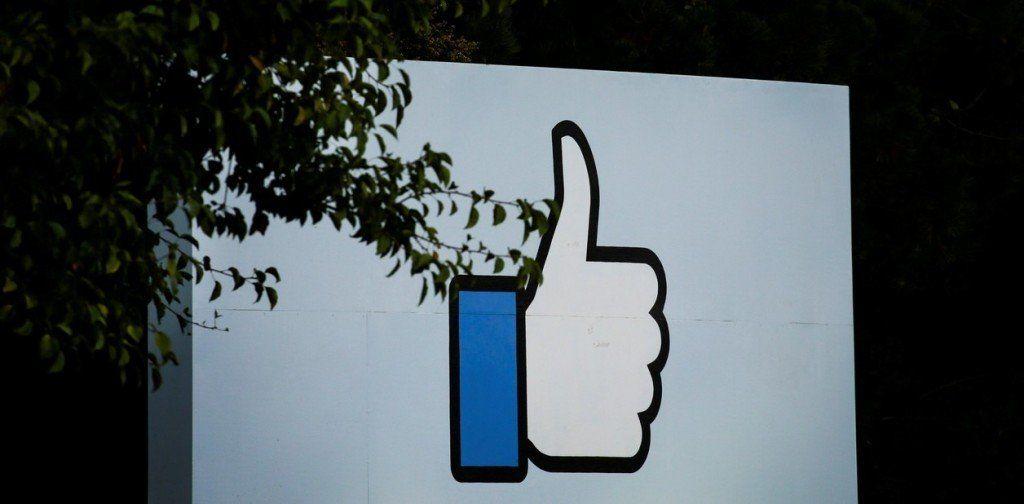 La Unión Europea presiona a Facebook, Google y Twitter para que hagan más contra la desinformación