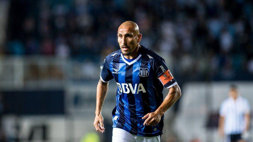 A los 40 años, Guiñazú anunció su retiro como futbolista profesional